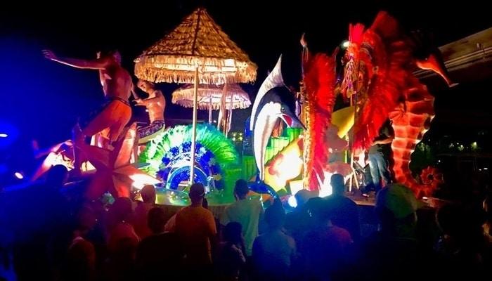 Panama City Carnival / Lee Elliott