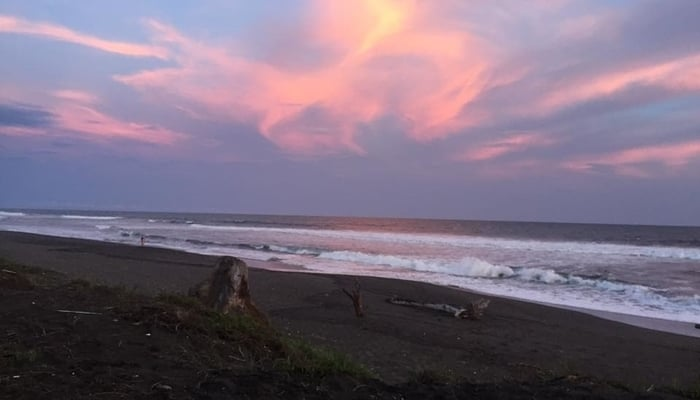 Guatemala Beaches: El Paredón Beach