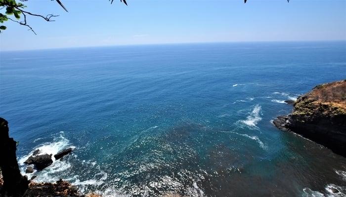 Driving around Central America: El Salvador coastline