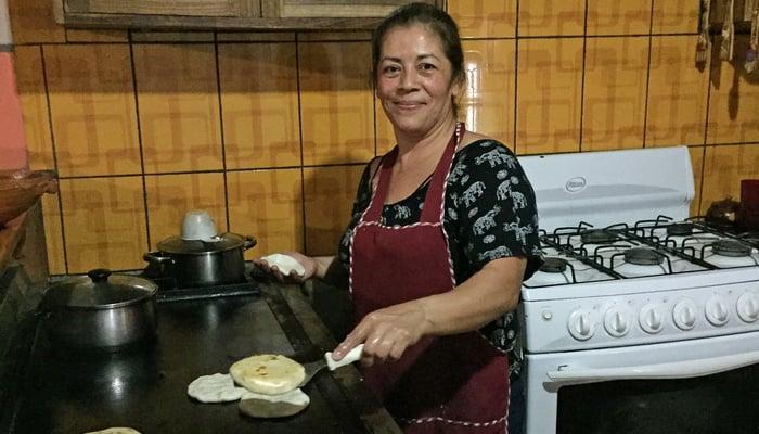 Driving around Central America: First pupusas in El Salvador