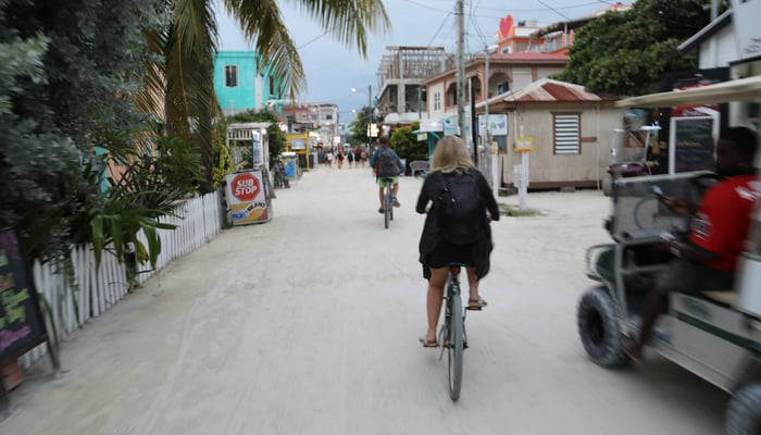 Getting around Belize: Bicycles and golf carts on Caye Caulker, Belize