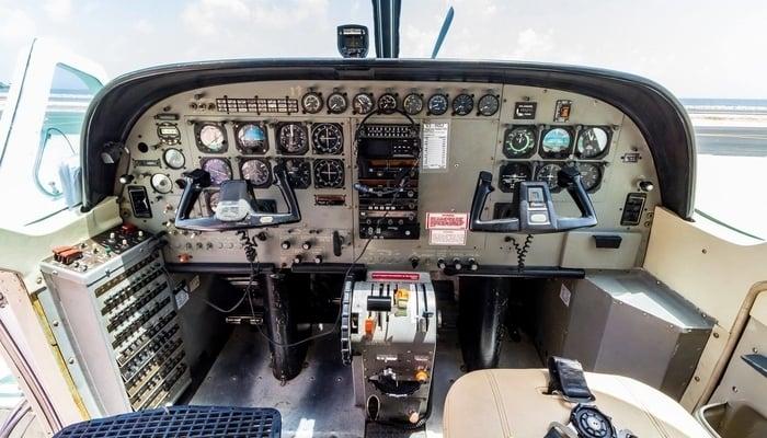 Getting around Belize: Belize puddle-jumper cockpit