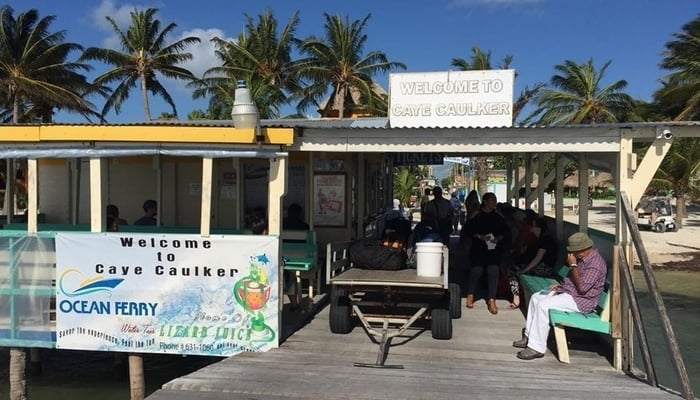 Getting around Belize: Water taxi arrival point in Caye Caulker, Belize