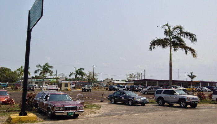 Getting around Belize: Taxies at Belize City Airport