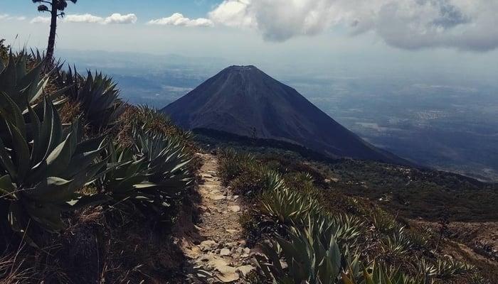Hiking in El Salvador: Santa Ana Volcano Hike / Elbuenpapayo Facebook page