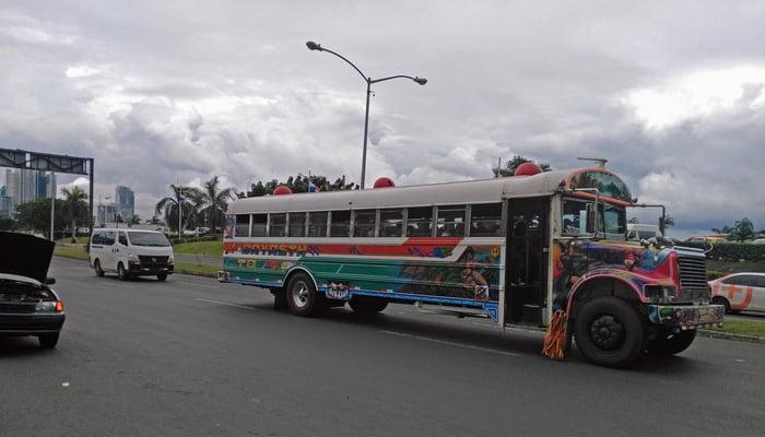 Roads in Central America: Traffic in Panama