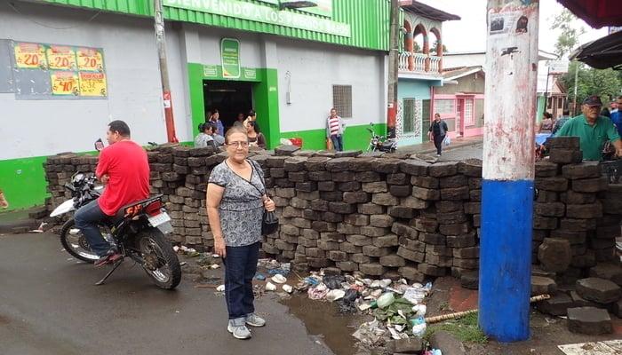 Daily life in Nicaragua: trances in Diriamba / Pat Werner
