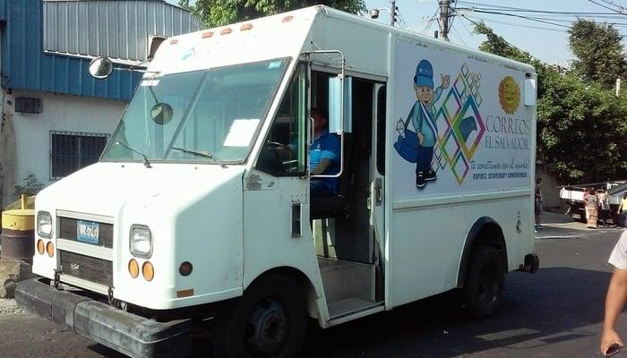 The post office in El Salvador: Mailtruck