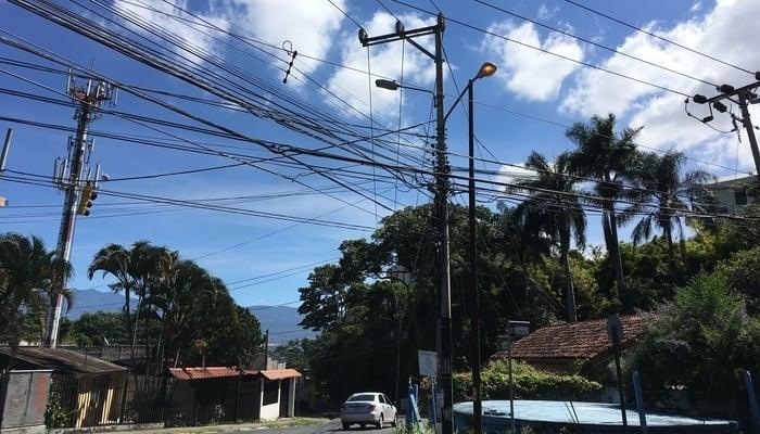 Nature in Costa Rica / Escazu's Urban Jungle / James Dyde