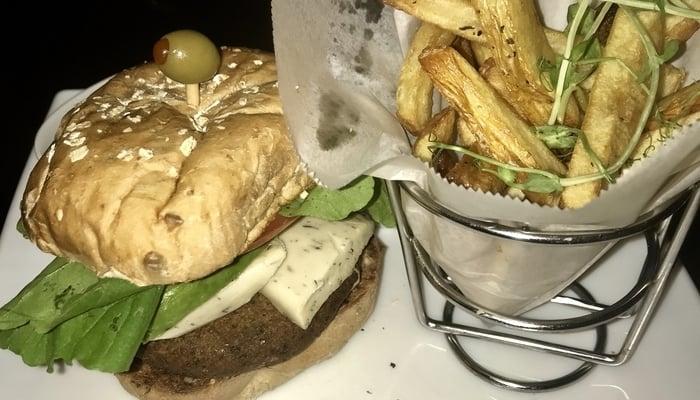 Vegetarian in Costa Rica / Veggie burger in Costa Rica