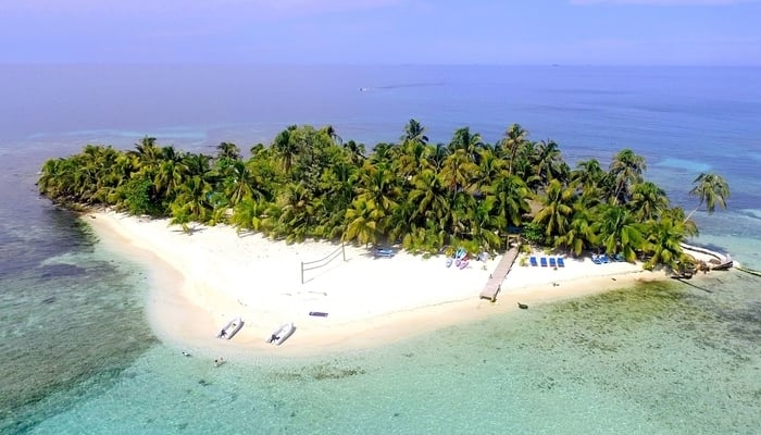 Ranguana Caye Belize / Ranguana Caye Facebook Page