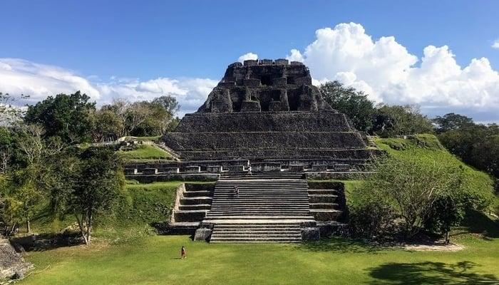 Mayan ruins in Belize / Xunantunich, Belize / Photo credit to Catherine Kaucic (Facebook)