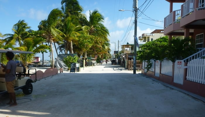 Life in Belize / Photo credit to Trisha Crabb (Flickr)