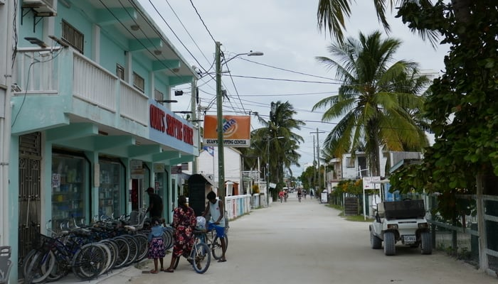 Staying safe in Belize / Caye Caulker / Photo credit to Phil Venditti (Flickr)