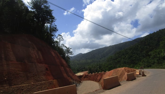 Hummingbird Highway, Belize Construction in 2019 / Gary Peterson