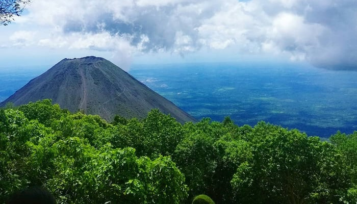 My Four Favorite Volcanoes in El Salvador centralamerica.com